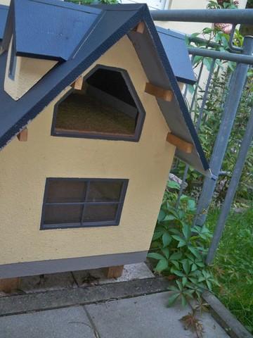 selbstgebautes katzenhaus katzenvilla outdoor. Black Bedroom Furniture Sets. Home Design Ideas